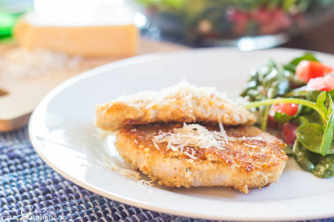 Parmesan Pork Chops | Catz in the Kitchen | catzinthekitchen.com #parmesan