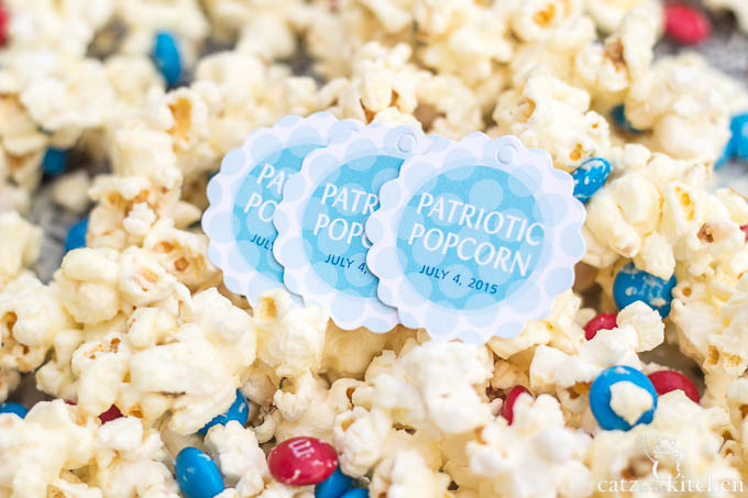 4th of July Favor: Patriotic Popcorn | Evermine Blog | www.evermine.com #ediblegift #independenceday #recipe