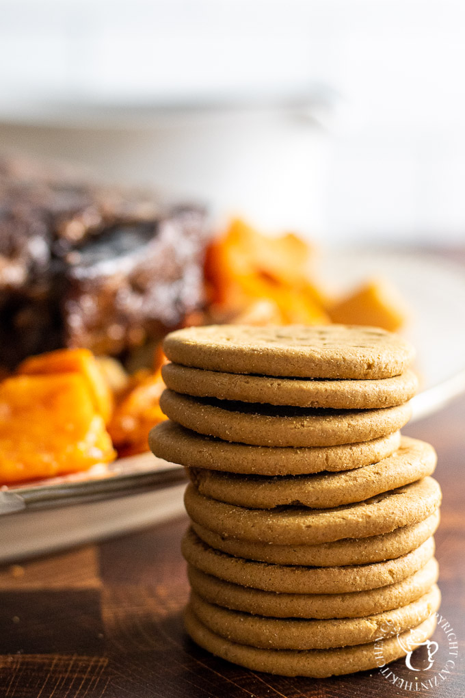 Gingersnap cookies in pot roast