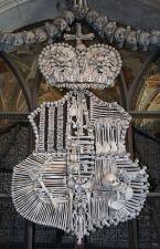 ossuary-in-kutna-hora-photo_995851-770tall