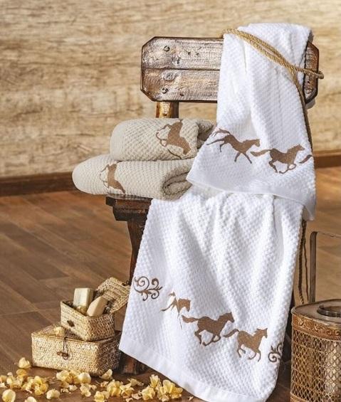 Cavalinhos e ferraduras estampam edredons