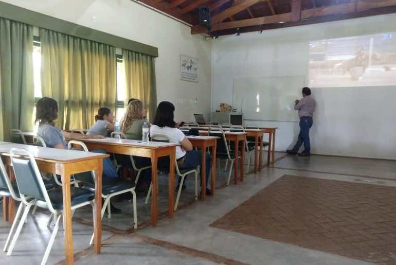 Amadores participam de Clínica de Equitação de Trabalho na UC