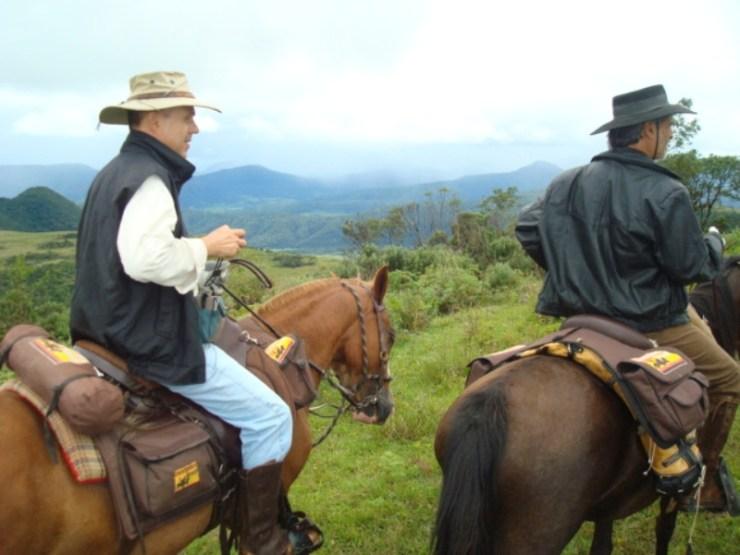 Paulo Junqueira conta em sua coluna da semana mais uma expedição que fez a cavalo ao lado de amigos,; dessa vez o Campo dos Padres, em SC