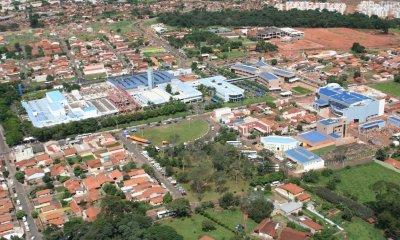 Leilão em prol do Hospital de Amor de Barretos, instituição que tem um déficit de quase R$ 30 milhões, a fim de pagar o 13° dos funcionários