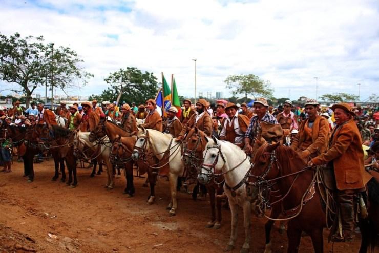 Realizada desde 1970, a Missa do Vaqueiro é um evento religioso, tradicional na cultura popular do sertão pernambucano, ideia do Rei do Baião