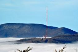 Pohľad na najvyššiu stavbu na Slovensku, vysielač Dubník