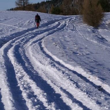Prechádzka zasneženými lúkami pohoria Bachureň