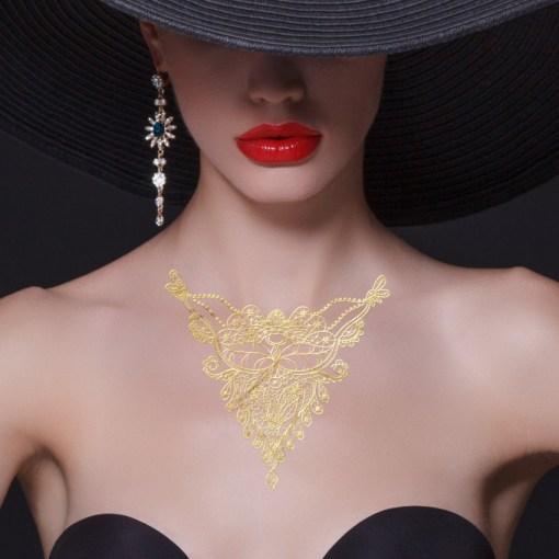 Tatuaggio_Gioiello_Temporaneo_Oro_24_kt_Collana_17C-001-28GOLD-indossato