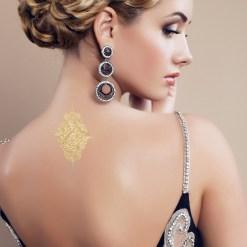 Tatuaggio_Gioiello_Temporaneo_Oro_24Kt_Schiena_17C-001-31GOLD-indossato