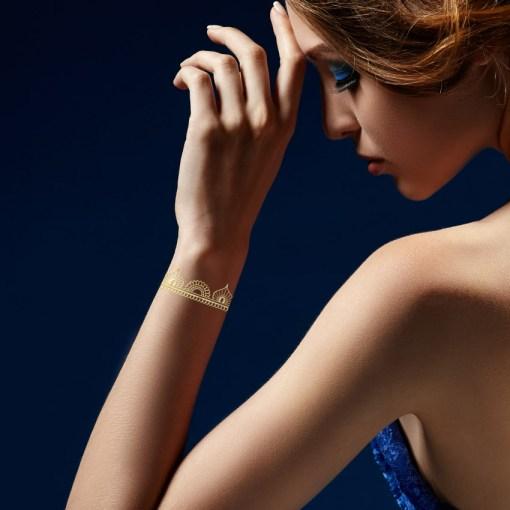 Tatuaggio_Gioiello_Temporaneo_Oro_24kt_Braccialetto_17C-001-12GOLD-indossato