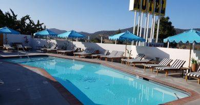 Skyview motel, Los Alamos, California.