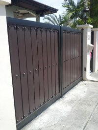 Modern Entrance Gate | Cavitetrail, Glass Railings ...