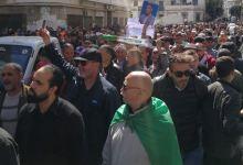 Photo of الشعب الجزائري في الجمعة 55: النظام الذي يحكمنا أخطر من فيروس كورونا!!!