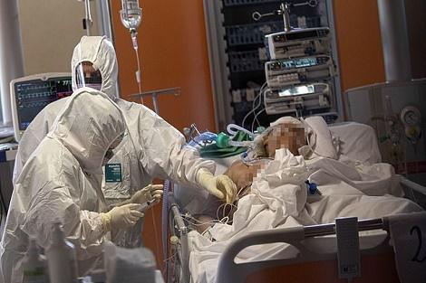 Photo of ارتفاع وفيات فيروس كورونا في الجزائر إلى 105