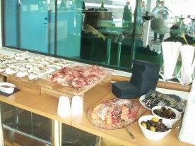 Selma Spa bar buffet