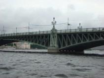 Bro över floden Neva