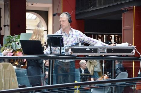 DJ och ljudmixer