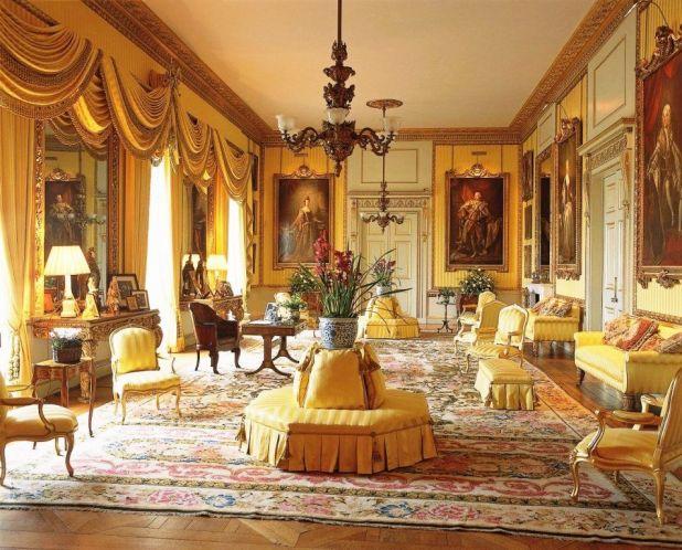 Shah-Rukh-Khan-Mannat-drawing-room