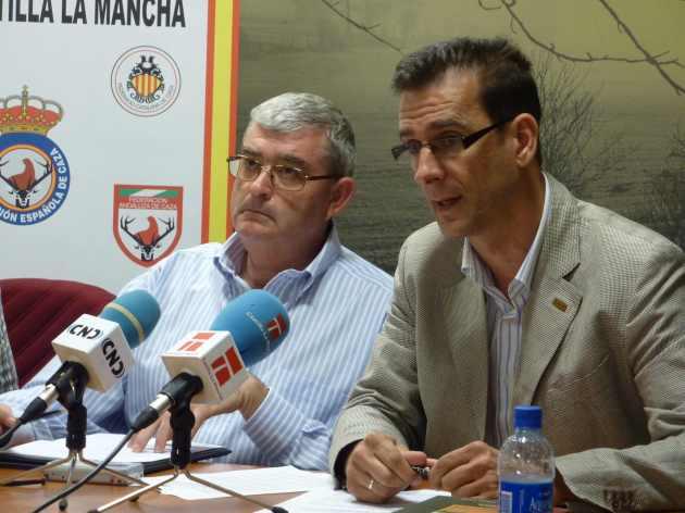 Luis Fernando Villanueva (d) y Juan de Dios García (i)