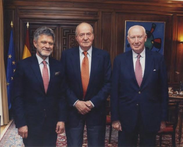 Foto SM El Rey, Nicolás Franco y Gerhard Damm
