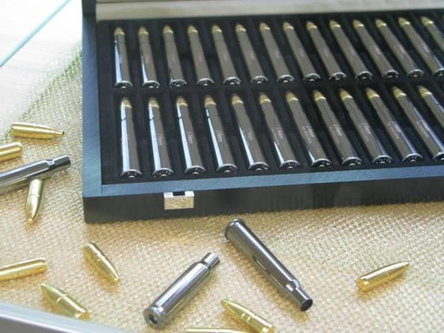 Muestrario munición RWS El muestrario de munición realizada por RWS a través del tiempo es alto. El refinamiento llega a la cartuchería personalizada, con el nombre de su propietario grabado en la vaina.