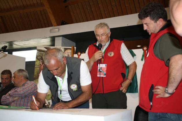 Los tres firmantes del acuerdo
