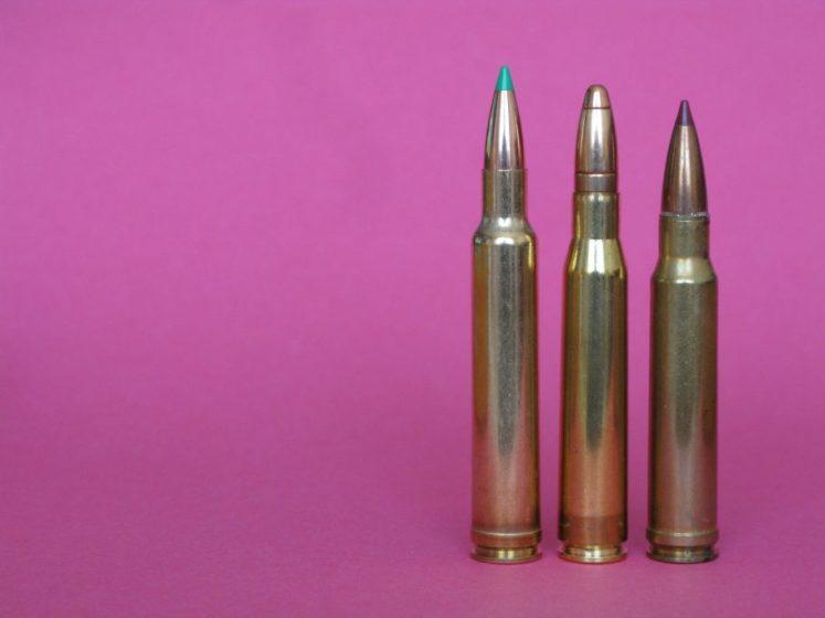 Los conocidos en otra época como cartuchos universales. De izqda. a dcha., .300 Weatherby magnum, 8x68 S y .338 Winchester Magnum.