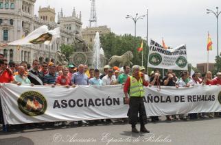 Las caracolas de la AER sonaron en Madrid el 5J