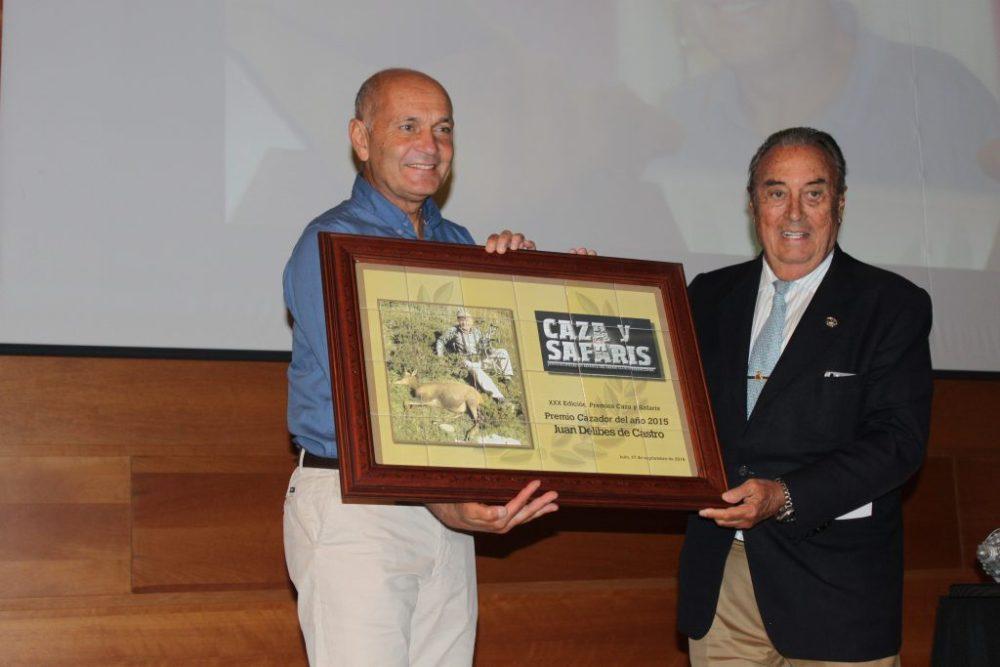Juan Delibes recibiendo el Premio Cazador del Año 2015.