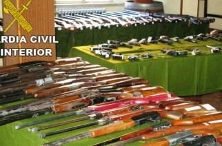 Subasta de 1700 armas de la Guardia Civil durante la feria Cinegética