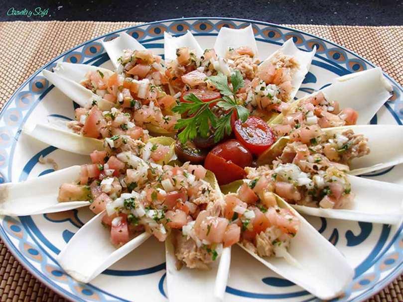 Endivias con vinagreta de tomate y atún