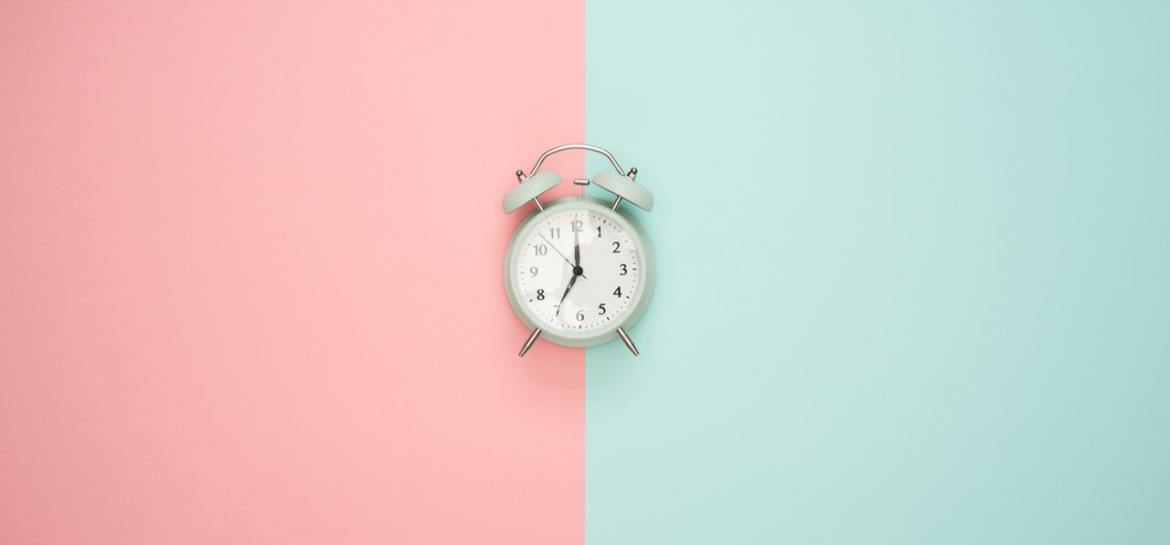 Alarm clock pink and blue
