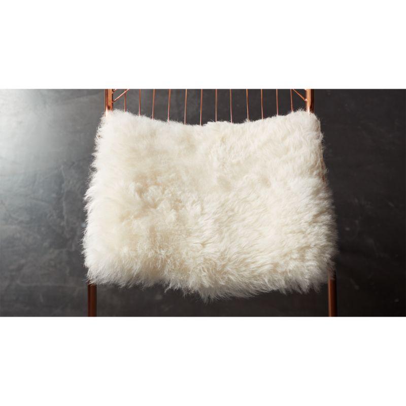 faux fur chair cover portable baby icelandic sheepskin reviews cb2 icelandicsheepskinchaircushionshf16 1x1