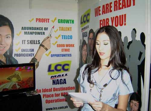 Call center employees in the PH receive low-end jobs
