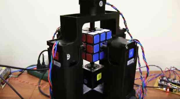 2016_0125_robot-rubic-cube2