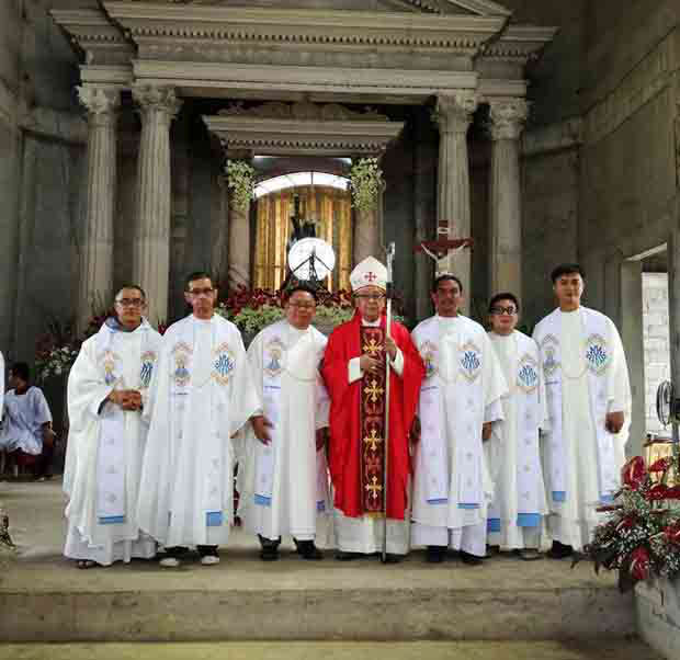 2016_0829_archbishop-tirona