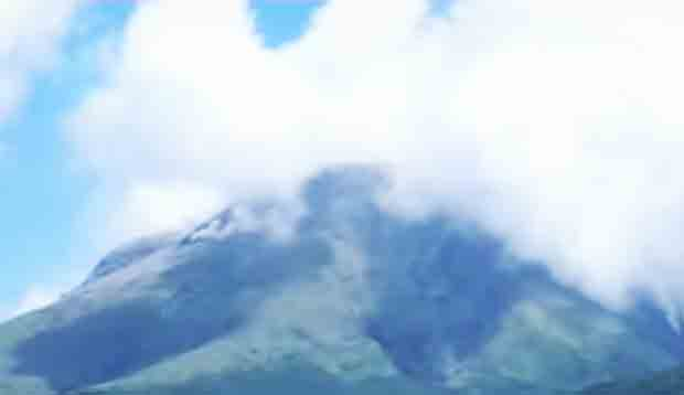 Bulusan volcano spews ash, the second eruption this week