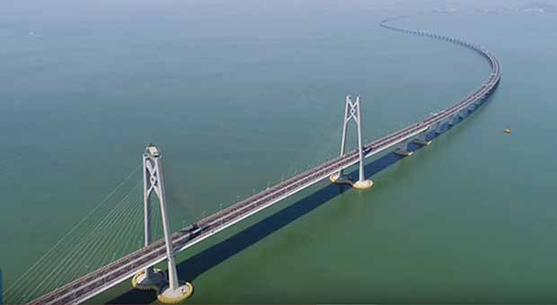 China builds world's longest sea-crossing bridge