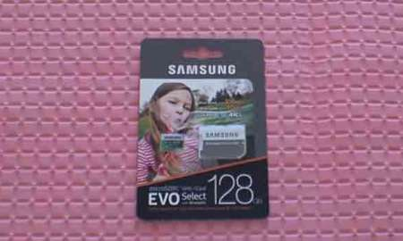 Unboxing review of Samsung EVO Select micro-SD card.