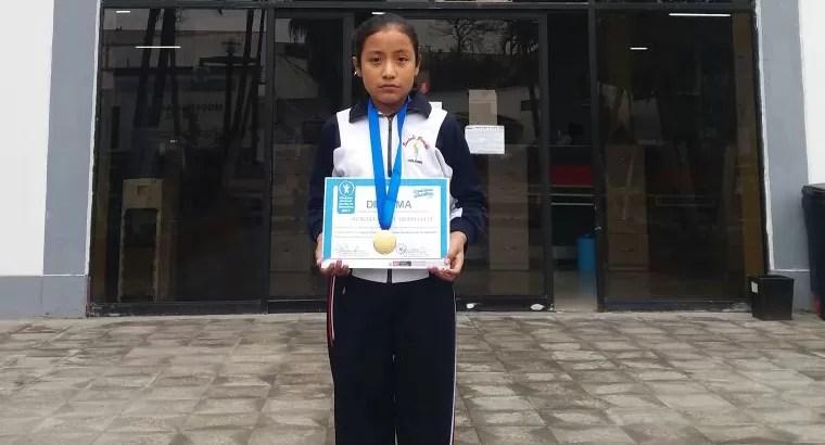 Estudiante brechtiana obtiene 2° puesto en Olimpiada de Matemática