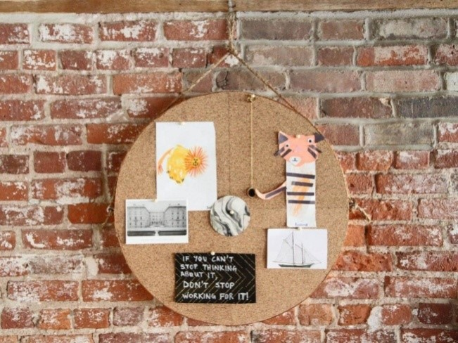 Circle Cork Board Ideas with Mirror