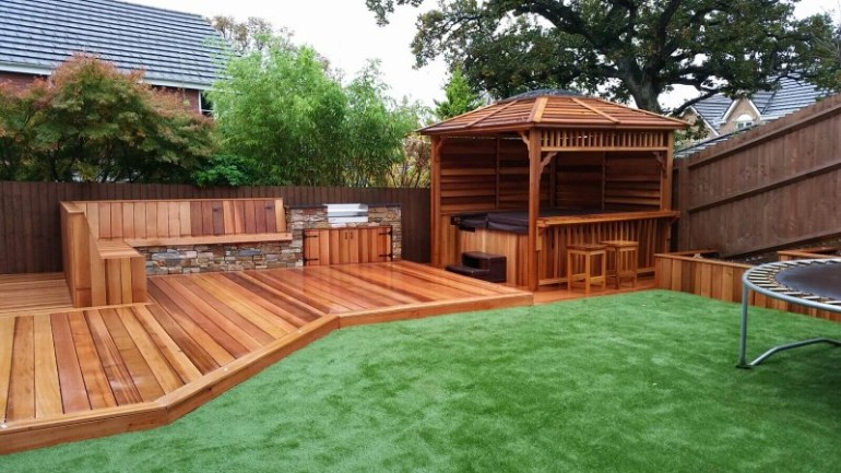 17 wonderful garden decking ideas with best decking designs for Small garden design ideas decking