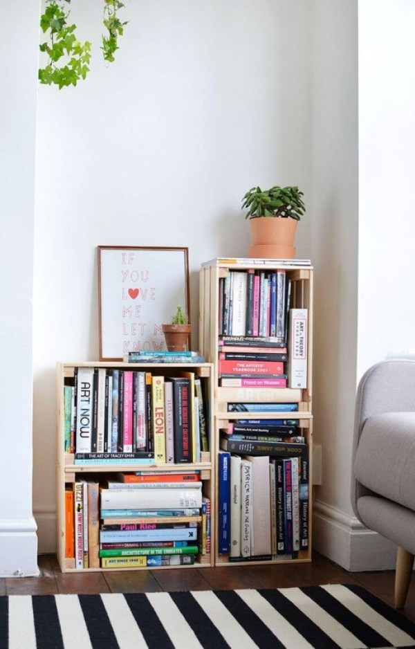 DIY Small Bookshelf