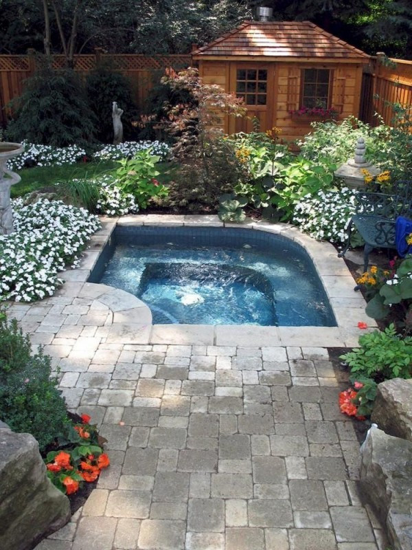Backyard Pool Ideas: Blend with Nature