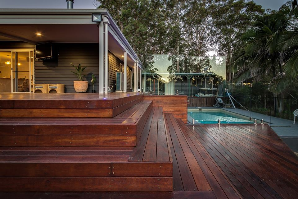 Frameless Pool Fence G - Chambers Building Group