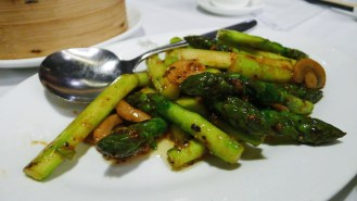 Crunchy asparagus with mushroom in a perfectly spicy black pepper sauce.