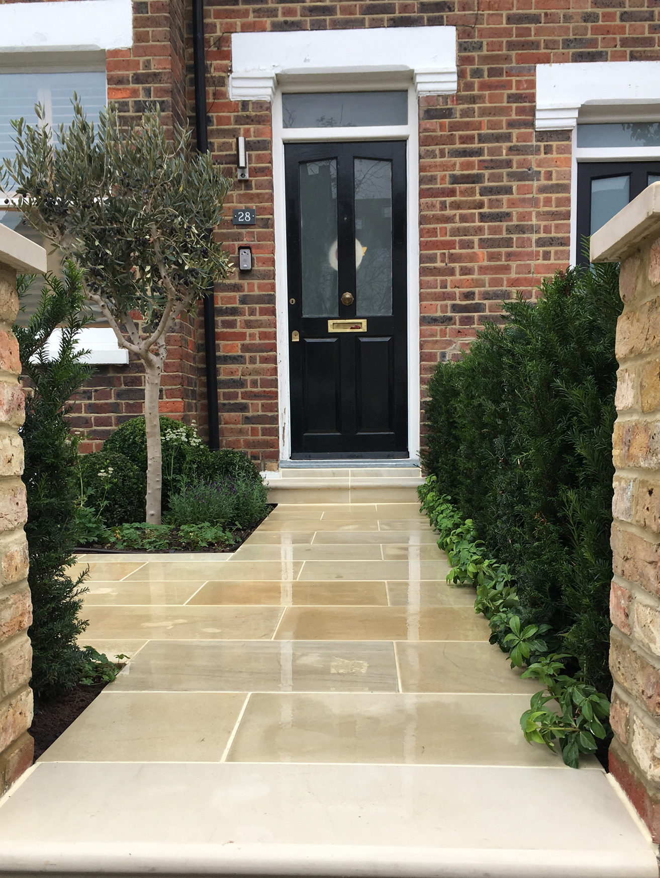 01-GRDN_SW19_Front_IMG