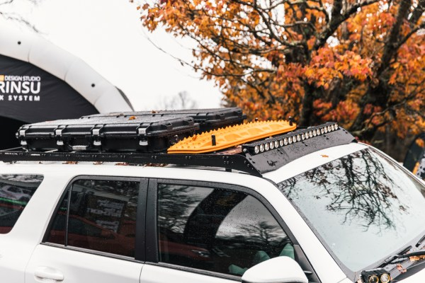 Prinsu full roof rack with accessories