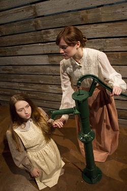 Photo of actors playing Helen Keller and Annie Sullivan