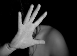 напад на жінку